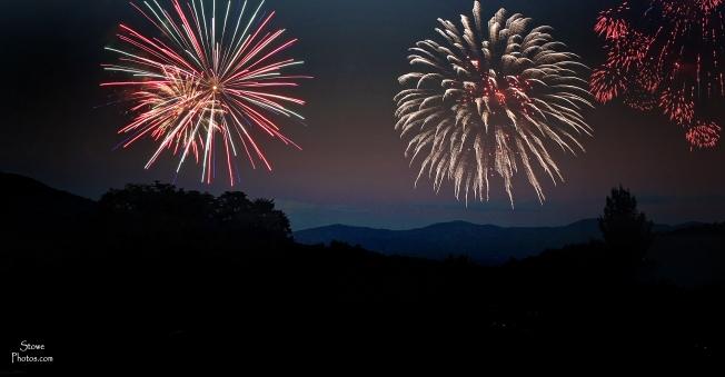 2016-7-3-spruce-peak-fireworks-stowe-d
