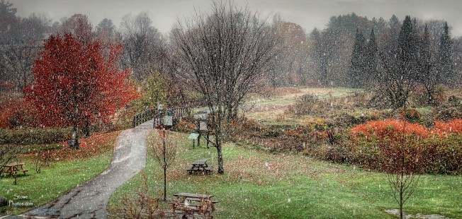 2016-10-28-stowe-village-rec-path-snow