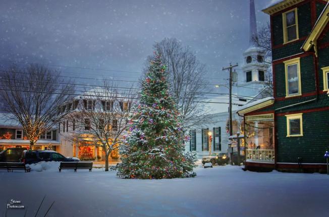 2016-12-17-stowe-christmas-tree